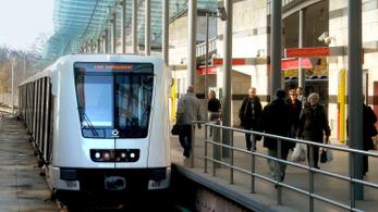 Péntekenként és szombatonként tovább jár a 2-es és 4-es metró