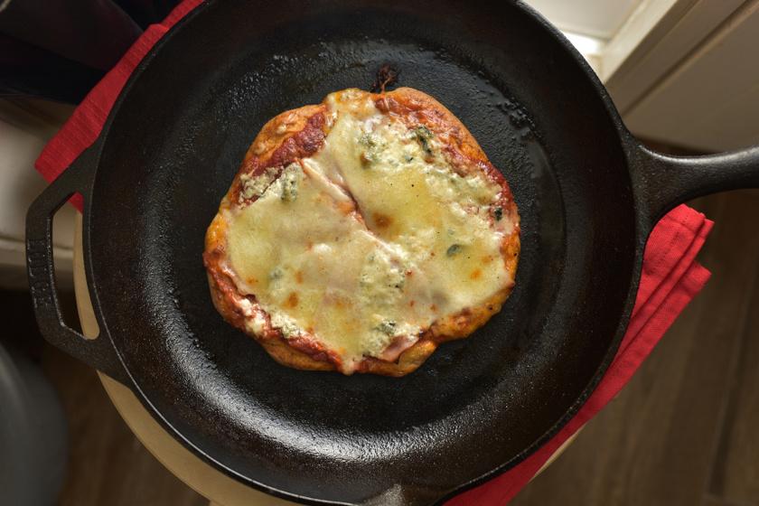 pizza vasserepnyőben szöveg