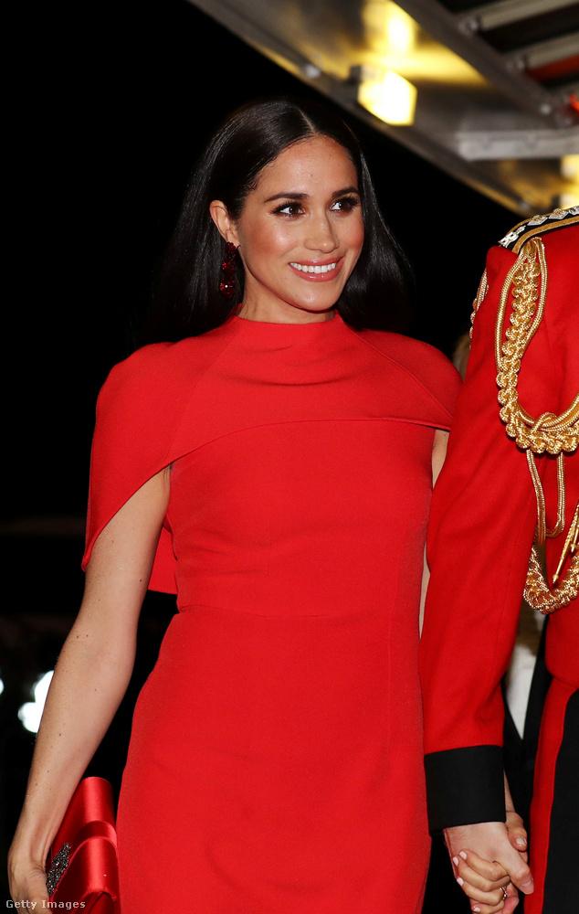 Március hetedikén, azaz szombaton a hercegi pár a Royal Albert Hallba ment el Londonban, elég látványosan összeöltözve, mint Palvinék.