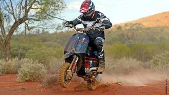 Elég jó projekt: Vespával vágnak a Mexican 1000 Rally-nak