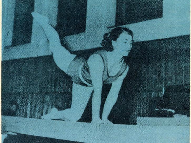 Korondi Margit a női torna korlátszámának olimpiai bajnoka. Forrás: Képes Sport 1984. 17-18. szám / Arcanum adatbázis