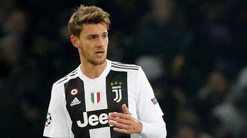 Pozitív lett egy Juventus-futballista koronavírustesztje