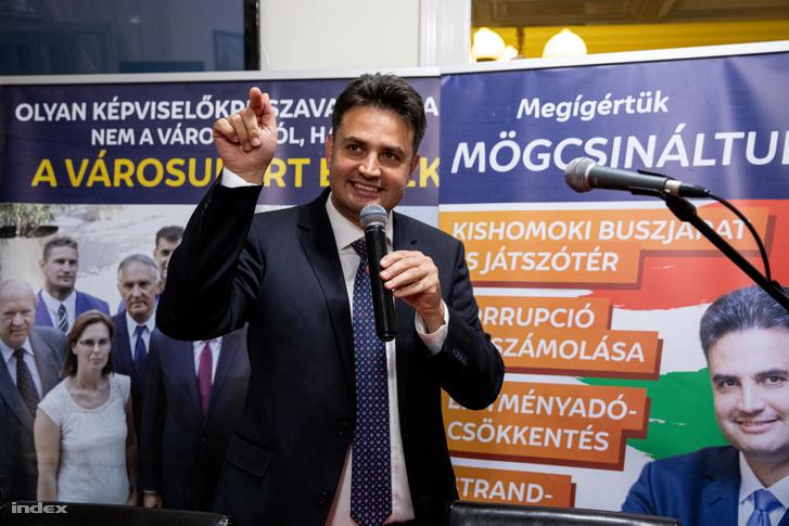 Márki-Zay Péter az önkormányzati választások éjszakáján 2019. október 13-án