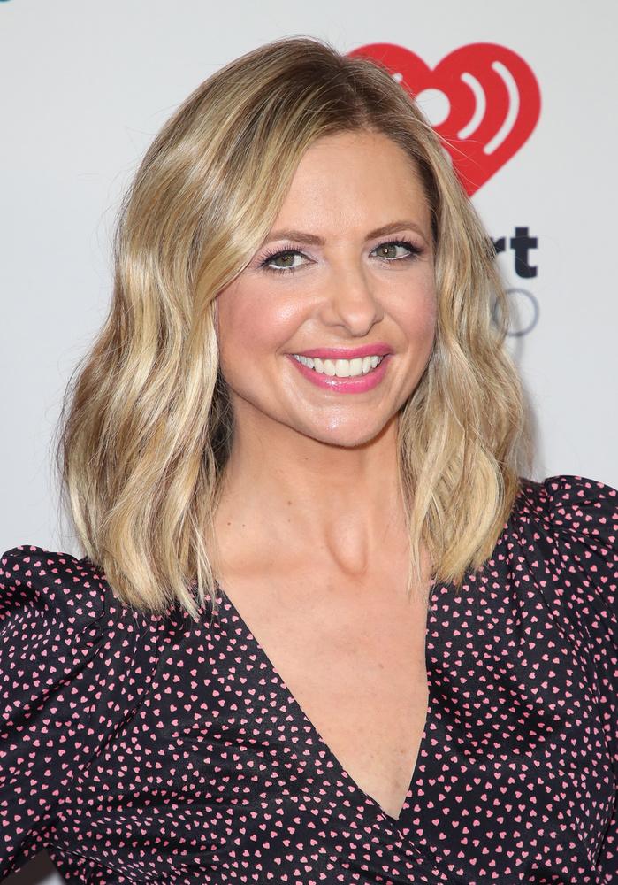 Sarah Michelle GellarA színésznőt többek között a Buffy, a vámpírok réme című sorozatból, illetve a Kegyetlen játékok című filmből ismerhetik