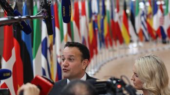 Írország is bezárja az összes iskoláját