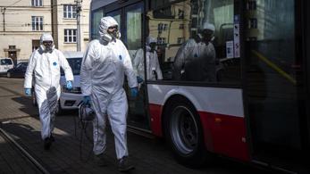 Bezárják a kocsmákat is Csehországban, szükségállapotot jelentettek be