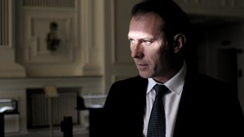 Percekkel a beiktatása előtt adta vissza Romániában a kormányfői megbízását Florin Citu