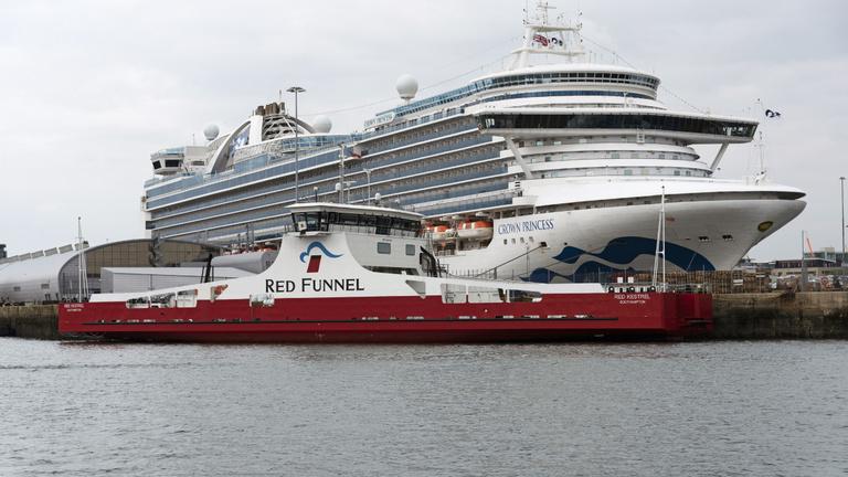 Két hónapra leáll a világ legnagyobb hajózási társasága
