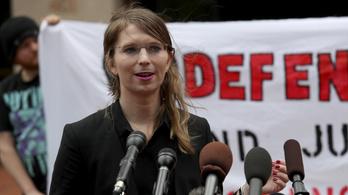 Manning azonnali szabadon engedését rendelte el a bíróság
