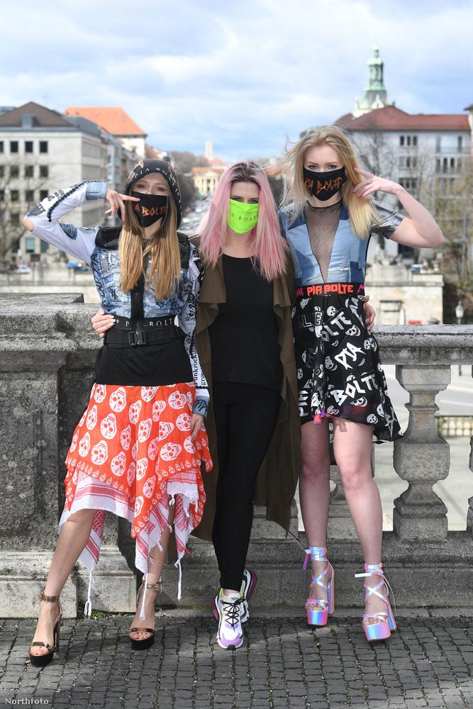 Itt meg már mindjárt három müncheni modell-lány reklámozza a kollekciót