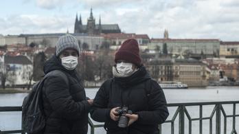 A csehek és a bolgárok kihirdették a szükségállapotot, Csehország határait lezárják