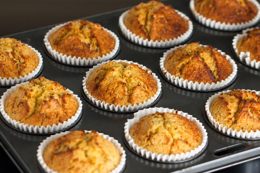Fahéjas-banános muffin: mérd ki bögrével a hozzávalókat