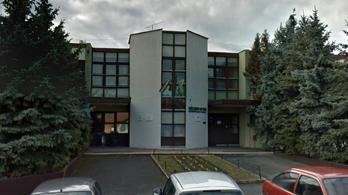 A veszélyhelyzet előtt szünetet hirdetett ki egy tapolcai iskola igazgatója – vállalja a felelősséget