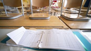 Koronavírus: 24 órán belül döntenek az iskolák bezárásáról