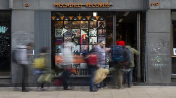 Sorra mondják le amerikai turnéikat a zenészek, de eltolták a Record Store Dayt is