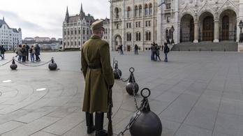 Alaposan megfogyatkoztak a turisták Budapesten