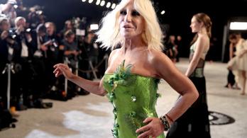 Donatella Versace, Giorgio Armani és más olasz divattervezők is adakoznak olasz kórházaknak