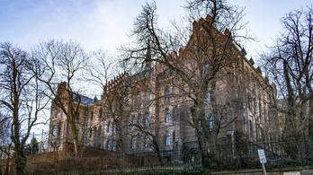 Negatív lett a Toldyban tanuló diák koronavírustesztje