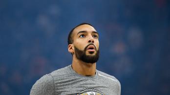 Félmillió dollárt adományoz a koronavírus elleni harcra az NBA vesztét hozó kosaras
