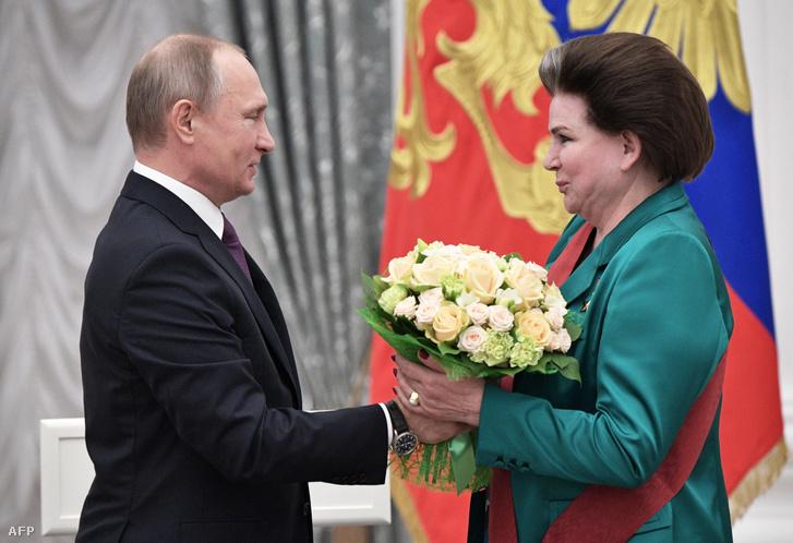Vlagyimir Putyin és Valentyina Tyereskova