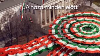 Orbán a határon túliaknak írt levelet március 15-én, az ellenzék közös videóval üzent