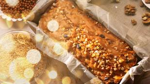 Ez a marcipános kevert süti egy adag szilvával lesz a legfinomabb