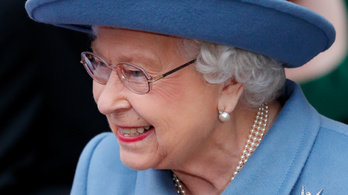 II. Erzsébet hajlik az önkéntes karanténra