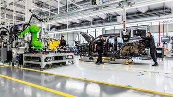 Áll az autógyártás Olaszországban