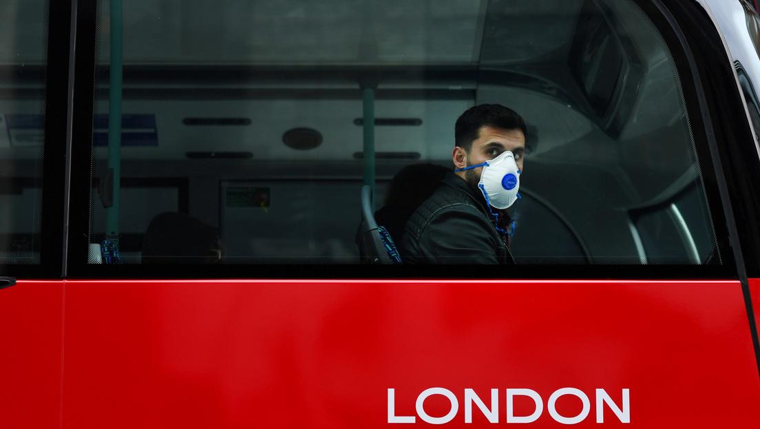 A britek rájöttek, nem jó szabadon engedni a koronavírust