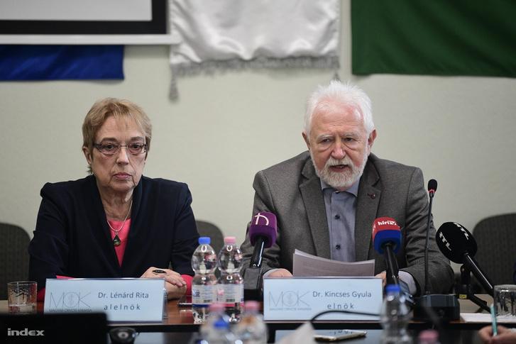 Dr. Lénárd Rita és Dr. Kincses Gyula a Magyar Orvosi Kamara sajtótájékoztatóján 2020. március 11-én.