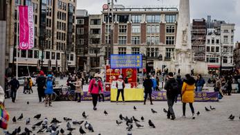 Hollandia: bezárnak az iskolák, bárok, éttermek