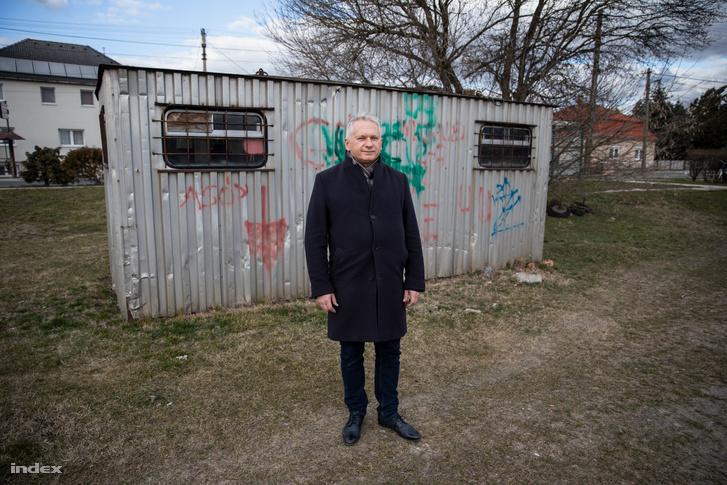 Dr. Borhy László, az ELTE rektora, régész, a Brigetio ásatások vezetője