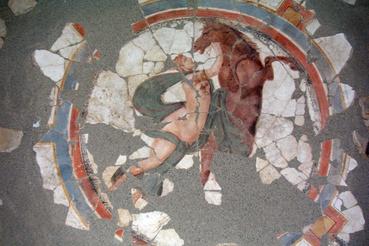 A kozmológiai mennyezetfreskó központi nőalakja, Androméda és a Pegazus képe
