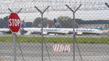 Sorra állnak le a légitársaságok a koronavírus miatt