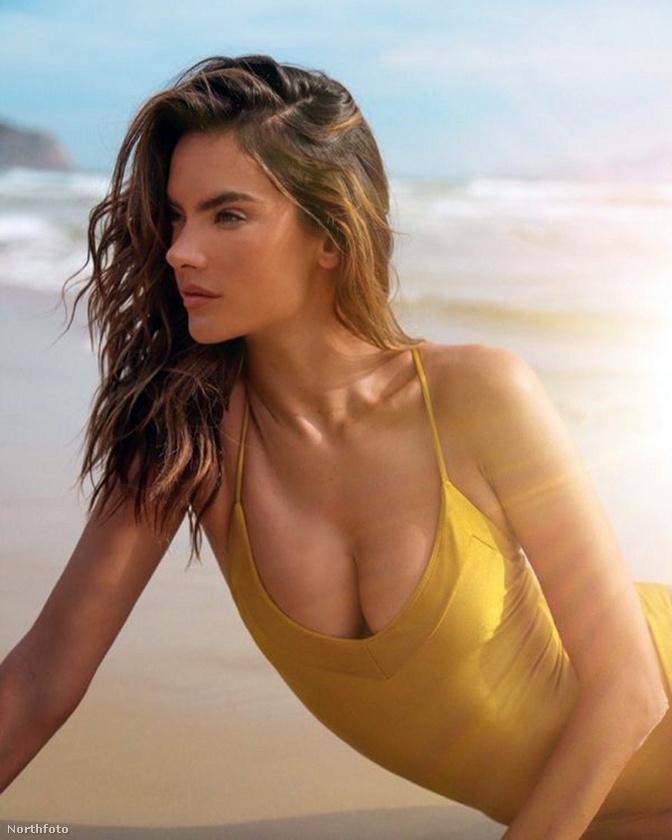 A modell a Gal Floripa divatcég kedvéért bújtatta magát szexi fürdőruhákba, és feküdt ki a tengerpartra, hogy reklámozza a márkát