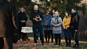 Két magyar sorozat forgatása is leállt