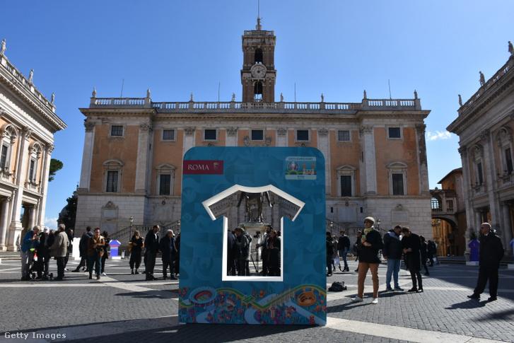 Rómában 2020. március 4-én még rendezvénnyel várták a 100 nap múlva esedékes Európa-bajnokságot.