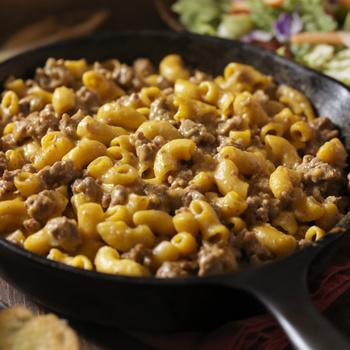 Kiadós, egylábasos, nagyon sajtos tészta – Gyors és nincs utána mosogatnivaló