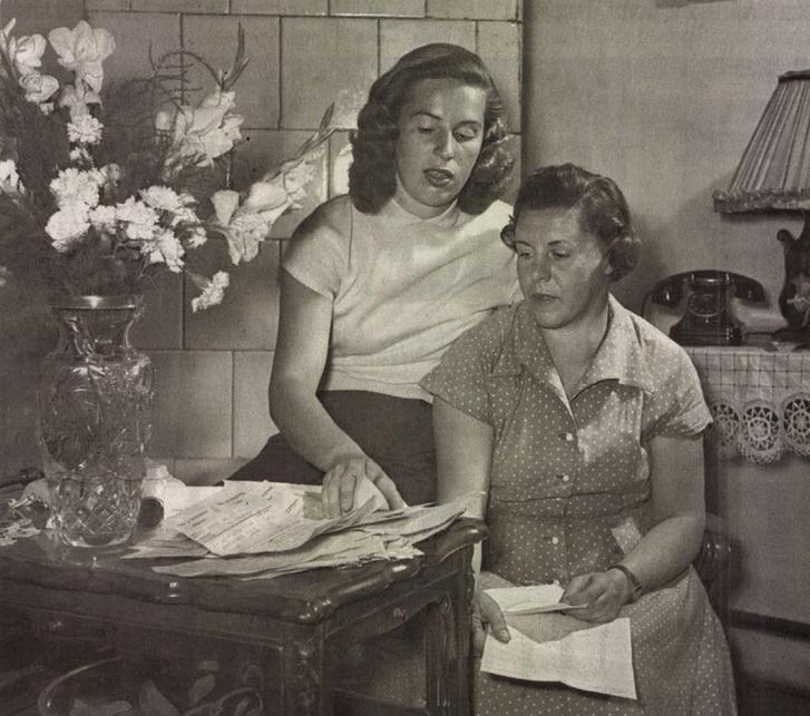 Szőke Kató édesanyjával az 50-es években