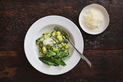 Spenótos gnocchi sok sajttal: a tésztát is könnyen elkészítheted