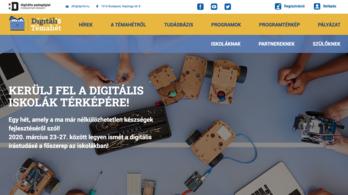 Egy sor cég ajánl fel ingyenes online segítséget a tanároknak