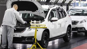 Fokozatosan állnak le az autógyárak is a vírus miatt