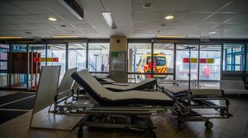 Több kórház is komoly szigorításokat vezet be a veszélyhelyzet miatt
