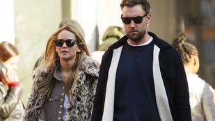 Jennifer Lawrence arra lett figyelmes, hogy egy idegen nő cselleng a házában