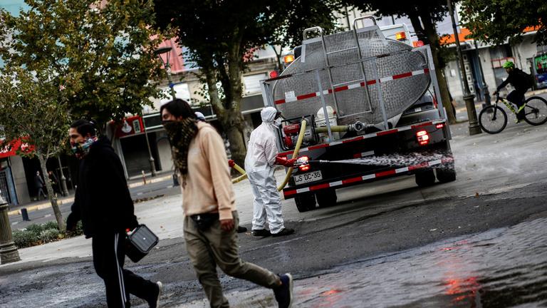 Latin-Amerikában is elkezdték lezárni a határokat