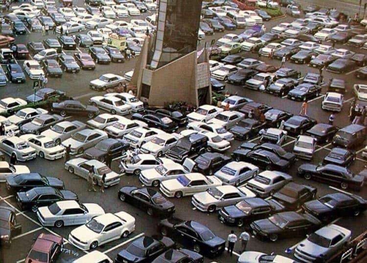 A Daikoku Parking Area a mai napig így néz ki péntek esténként