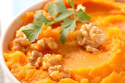 Illatos, krémes répapüré vajjal és citromlével: friss zöldfűszerekkel még izgalmasabb