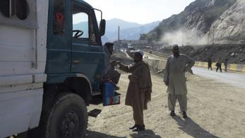 37-en szöktek meg az afgán karanténból, leütötték a kórházi dolgozókat