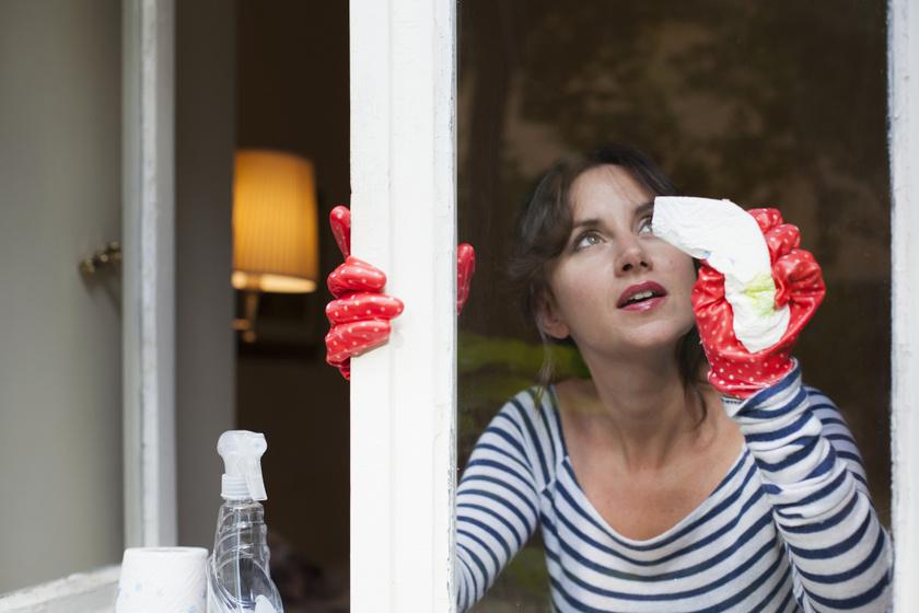 Patyolattiszta lesz az ablak: így készül a házi, csíkmentes ablakmosó folyadék