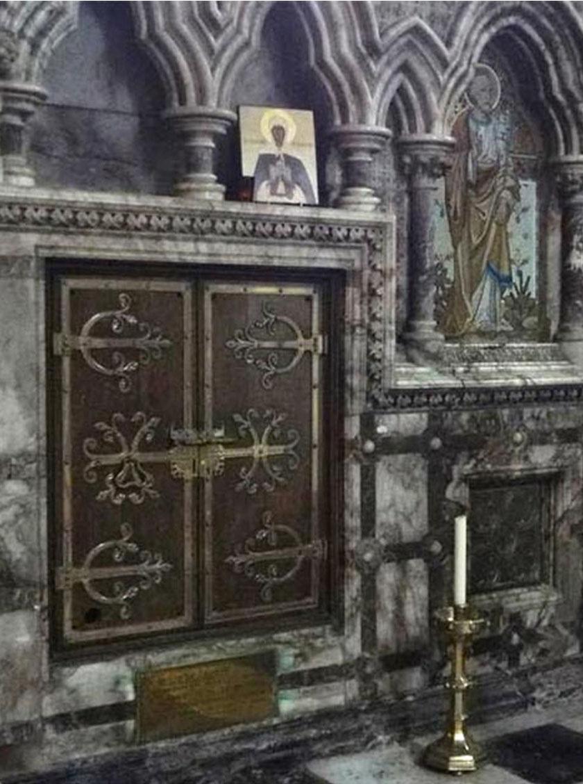 A templomi sír.